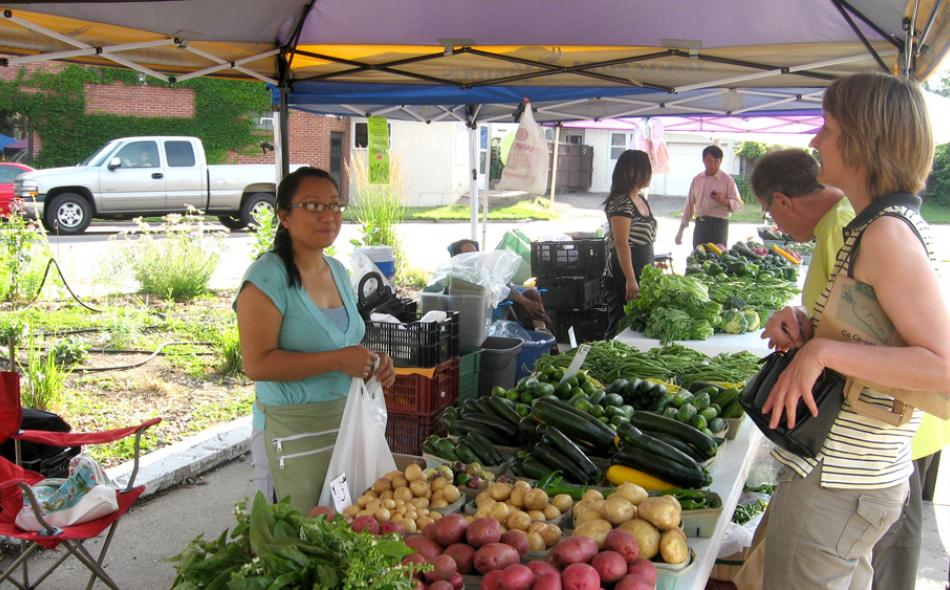 Managing Small Urban Farmers Markets: